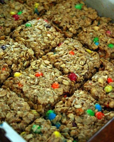 back_school_chewy_granola_bars_recipe