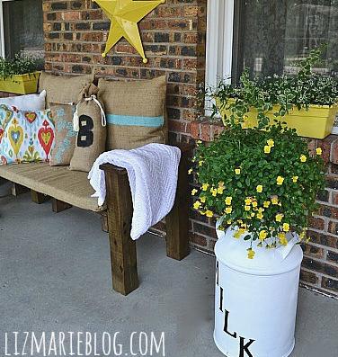 Pallet patio bench DIY :: FineCraftGuild.com