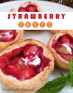 Rhubarb strawberry tarts recipe :: FineCraftGuild.com