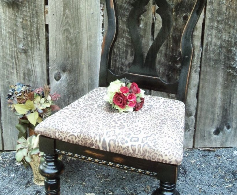 DIY Animal Print Chair – Fast and Easy, Trendy Project
