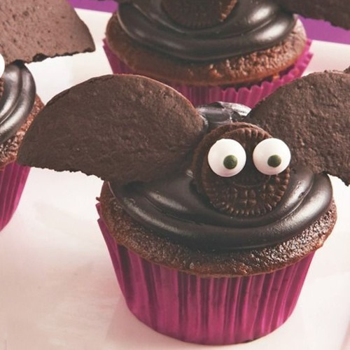 chocolate_bats_halloween_cupcakes