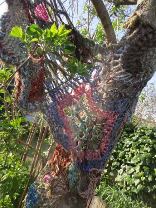 yarn bombs london