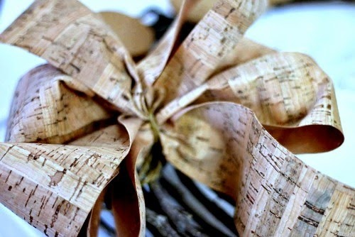 DIY Fall Decorations: Cork Wreath - cork bow