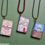 Christmas Storybook Necklace pendant tutorial