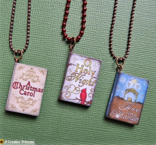 ChristmasStorybookNecklace