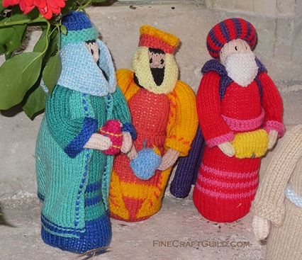 knitted nativity scene - 3 wise men