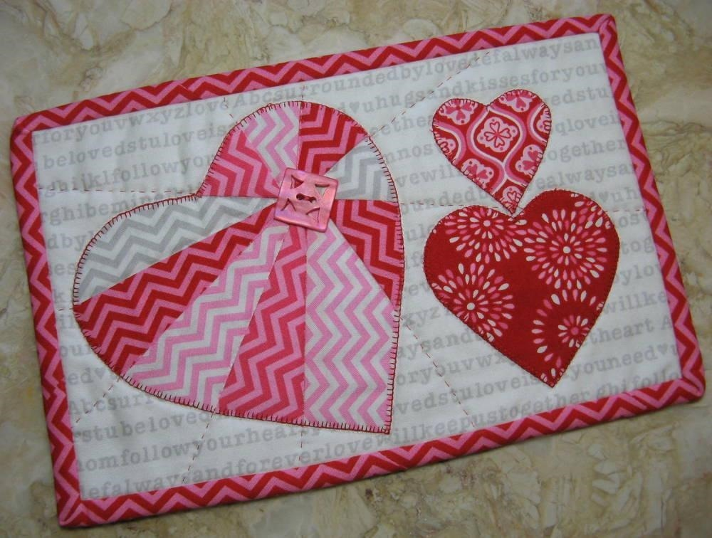 Heart Mug Rug quilt pattern for Valentines Day