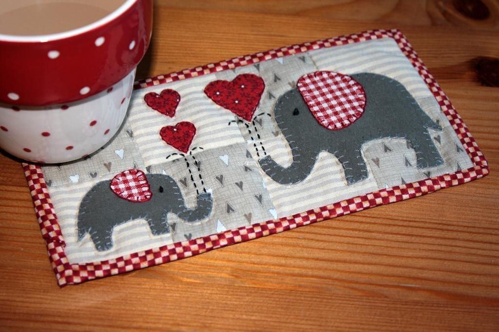 Red Elephants Mug Rug  quilt patterns for valentines Day