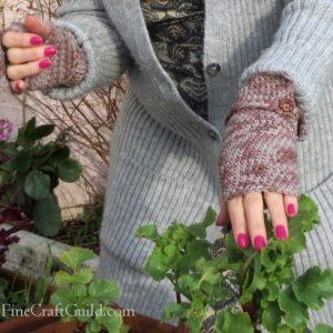 Elegant fingerless gloves crochet pattern