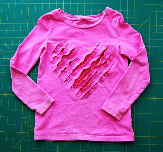 http://www.finecraftguild.com/wp-content/uploads/2015/01/shredded_heart_t-shirt.jpg