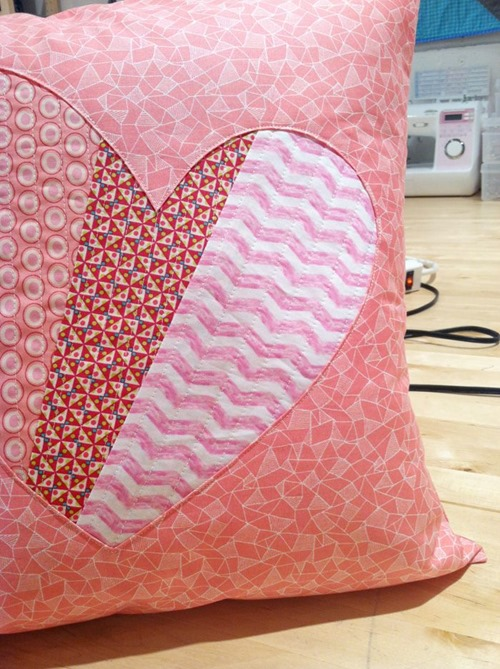 valentine-pillows-patchwork-heart