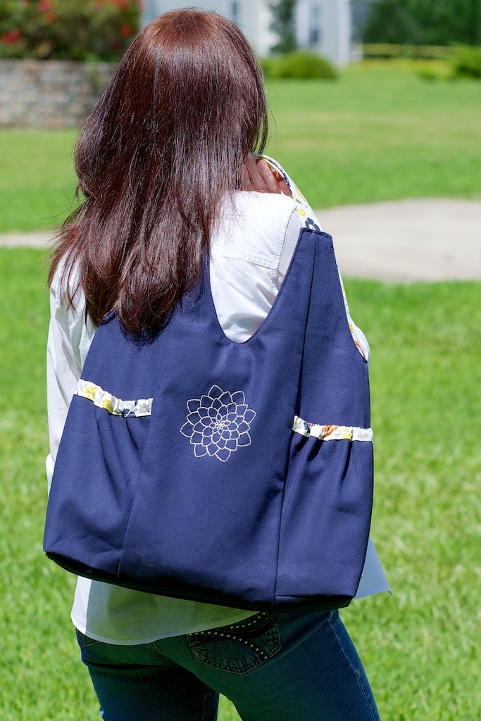 Kenna tote - free bag sewing patterns - FineCraftGuild.com