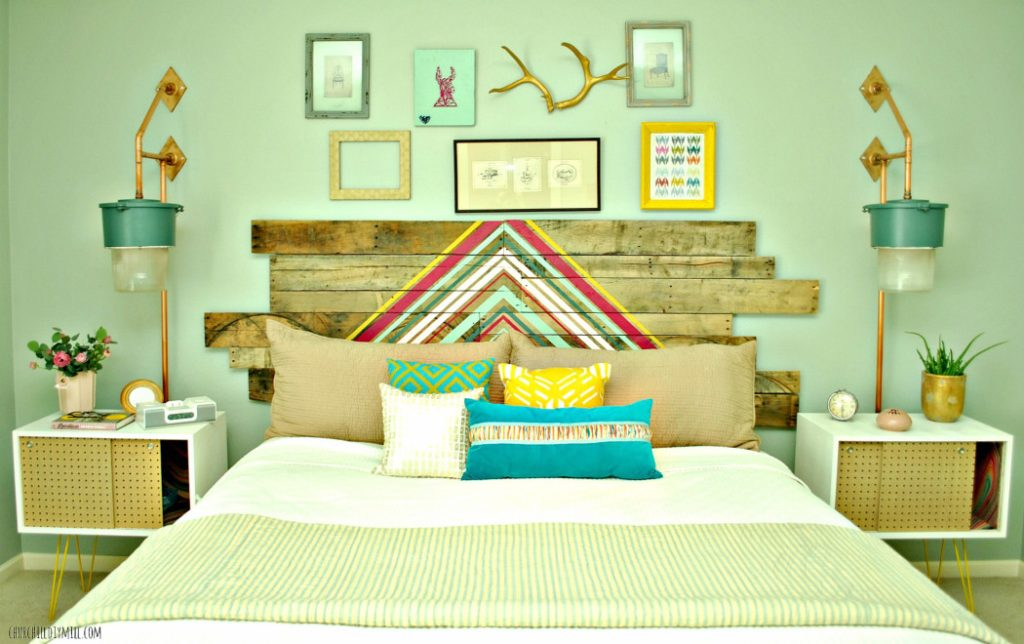 http://www.finecraftguild.com/wp-content/uploads/2015/04/Master-bed-nightstand-1024x644.jpg