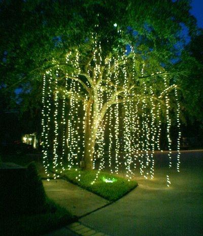 festive_outdoor_lighting