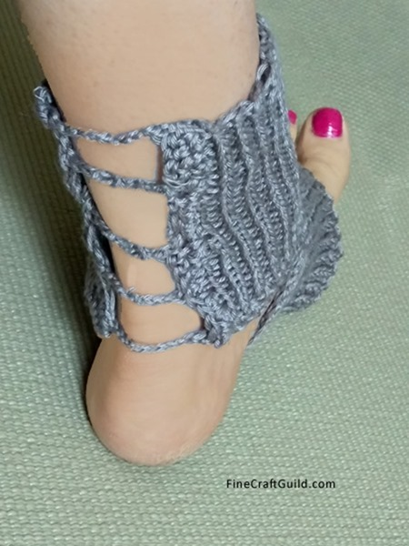 gladiator Yoga Socks Knitting Pattern