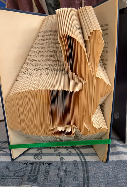 How to Fold Book pages into bunnies- -  Recycled Book Art Ideas - FineCraftGuild.com