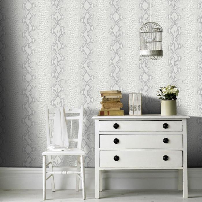 teen_bedroom_snake_silverwallpaper